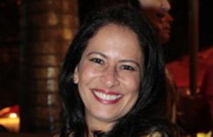 Flavia Carvalinho